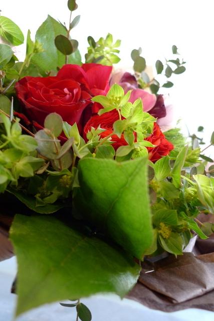 お誕生日の花束2種。女性用。福住にお届け。_b0171193_20215110.jpg