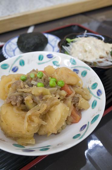早春の丹波路をこえ舞鶴へ まいづる肉じゃが料理長とのコラボランチの日@ほっとハウス_c0069903_10594455.jpg