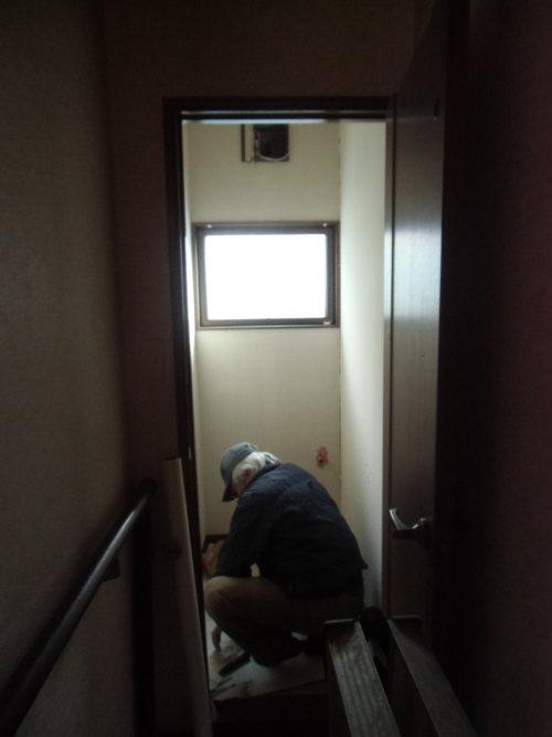 H様邸(廿日市市峠)トイレ・脱衣場暖房・洗面化粧台工事_d0125228_7574273.jpg