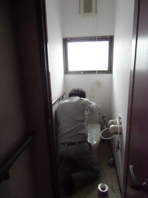H様邸(廿日市市峠)トイレ・脱衣場暖房・洗面化粧台工事_d0125228_7575731.jpg