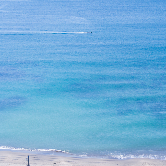 透明な海。_b0022268_1913085.jpg