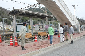 安浦駅前に「ふれあいステーション」完成_e0175370_16554521.jpg