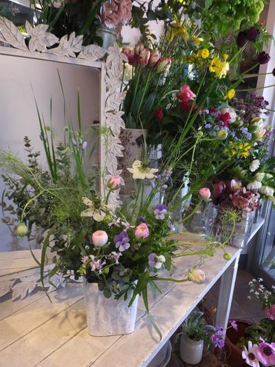 オークリーフ花の教室(根本さんの作品)_f0049672_16543348.jpg