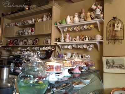 Candella Tea RoomでVintage食器に囲まれて至福のティータイム_f0238789_2128211.jpg