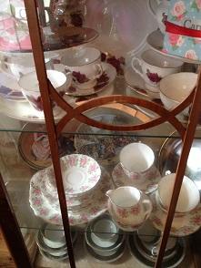 Candella Tea RoomでVintage食器に囲まれて至福のティータイム_f0238789_21373112.jpg