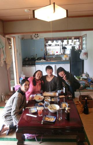 3月25日 スタッフ送別会_e0104695_20302693.jpg