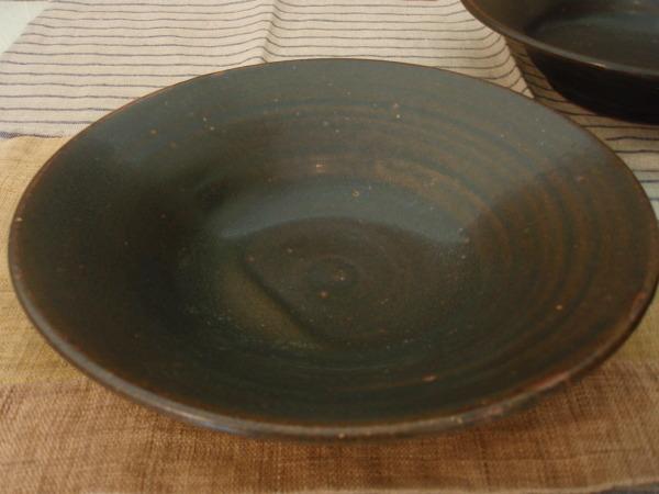 山本哲也さんの角皿と渡邊由紀さんの飴マット皿_b0132442_17195533.jpg