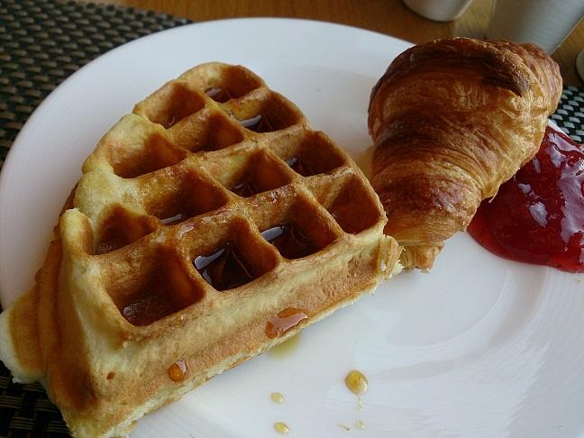 朝食etc メルキュール アンバサダー ソドベ_b0060363_13145610.jpg