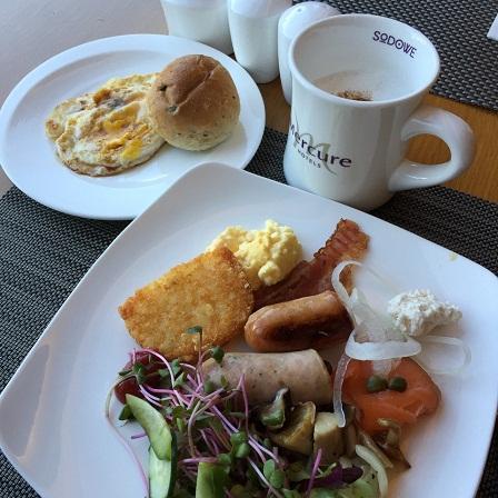 朝食etc メルキュール アンバサダー ソドベ_b0060363_14225964.jpg