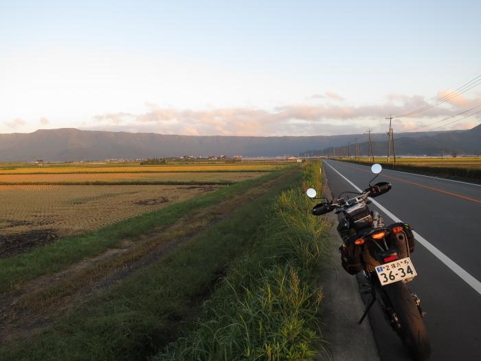 九州放浪6日目その1 外輪山を登る_b0339488_20464025.jpg
