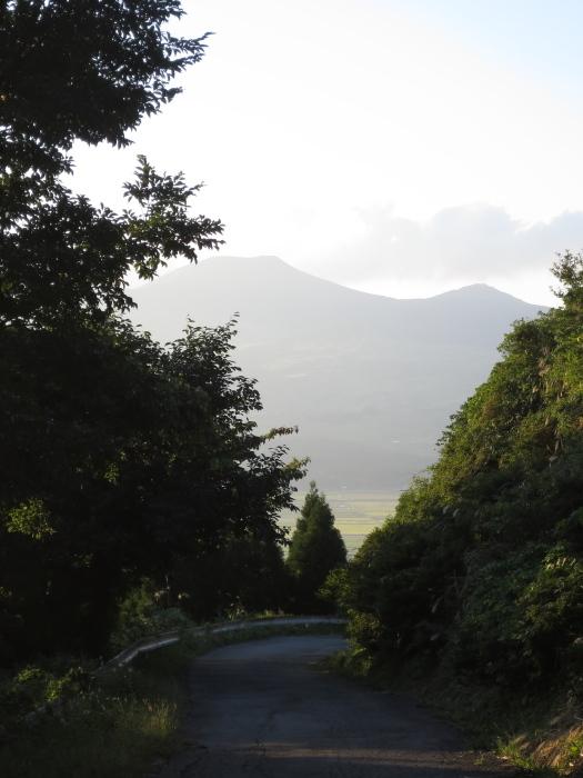 九州放浪6日目その1 外輪山を登る_b0339488_20464181.jpg