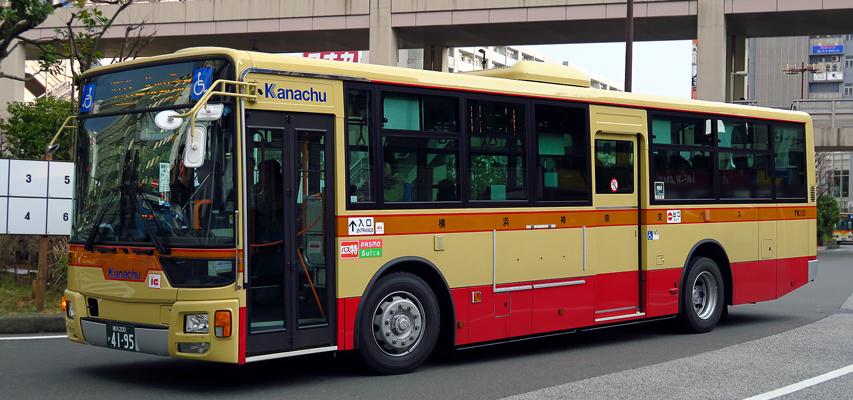 横浜神奈交バス QKG-MP35FM その...