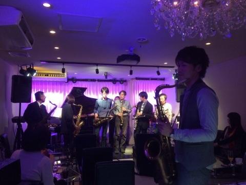 Jazzlive comin 広島 本日金曜日のライブ!_b0115606_11415274.jpg