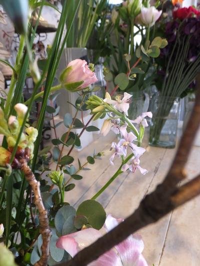 オークリーフ花の教室(山田さんの作品)_f0049672_1843254.jpg