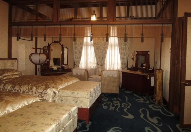 奈良ホテルに一泊   _c0009275_2329557.jpg