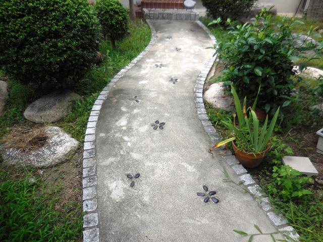 立派な家や庭ですが、、、。_d0251191_9125285.jpg