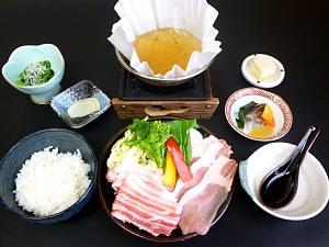 豚肉と春野菜の常夜鍋_c0141652_1055378.jpg