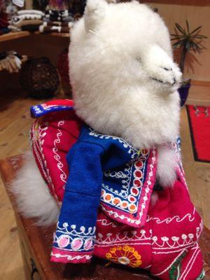 シルクのカンタ刺繍スカート☆入荷しました_d0187468_16485220.jpg