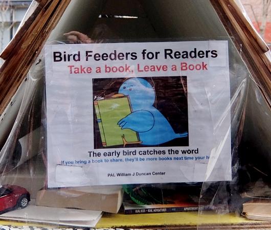 読書大好きニューヨーカー続報 Bird Feeders for Readers_b0007805_18224777.jpg