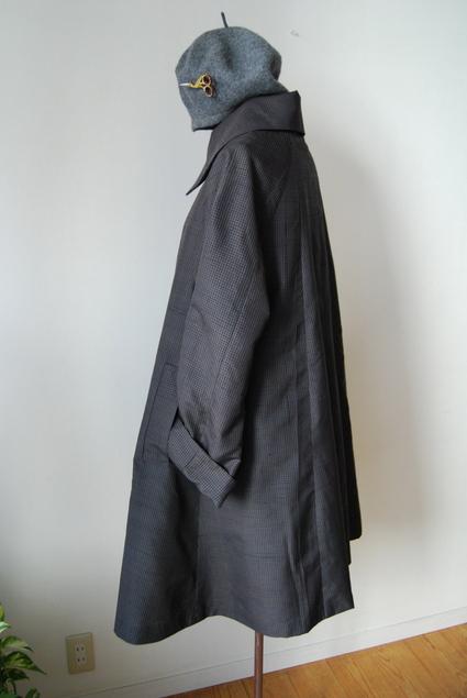 着物リメイク・男物の着物で大きな襟ガーリーコート_d0127925_2348061.jpg