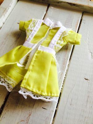 ダイソーのエリーちゃんのお洋服をブライスに着せてみました_a0275527_22162239.jpg