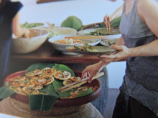 くらわんか茶碗 と 竹製のトンク_c0341450_1751610.jpg