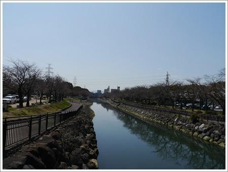モーニングの後は地元のイベントでお散歩とお買い物\(>∀<)/_b0175688_00542546.jpg