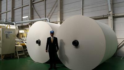 最新鋭のトイレットペーパー工場!_d0050503_11295746.jpg