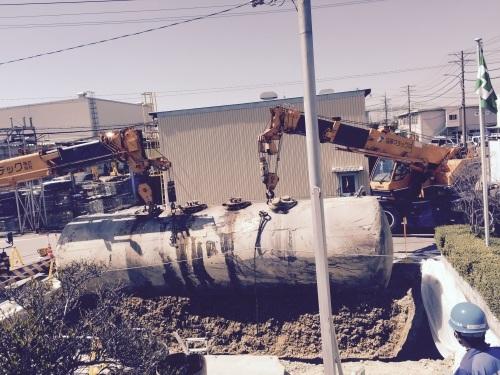 地下埋設タンク撤去_f0110349_09421139.jpg