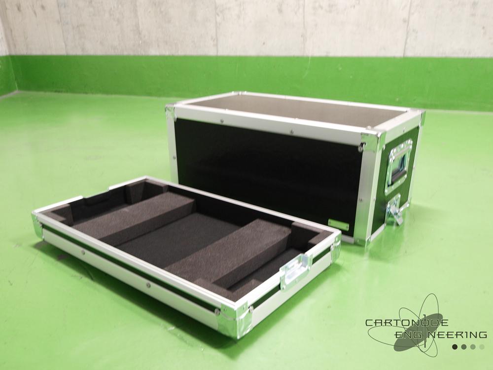 BadCatUSA Hot Cat 30R  ヘッドアンプ 専用ハードケース_d0215389_22483920.jpg