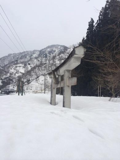 九頭竜湖と白山系神社_b0129832_23161659.jpg
