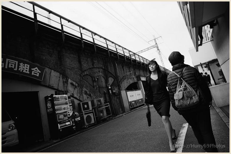 Fragment1/5 #38 Woman walking dashing Leica M2_e0063851_23332238.jpg