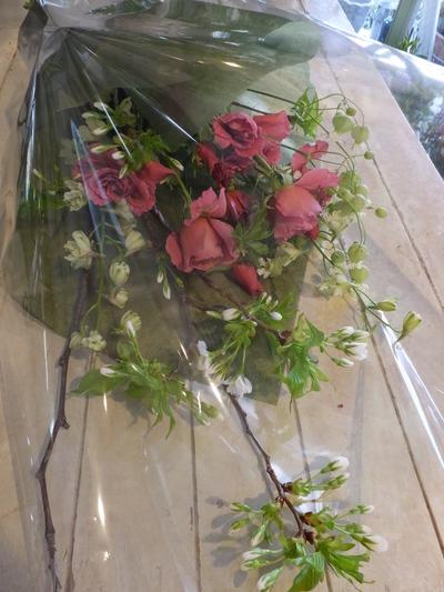 オークリーフ花の教室(落合さんの作品)_f0049672_1835298.jpg