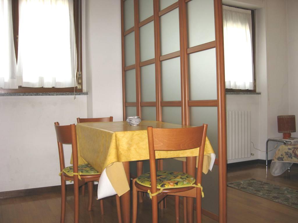 2015ミラノサローネのホテルをお探しの方、アパートの空きあります(3月31日現在)_c0061896_6323221.jpg
