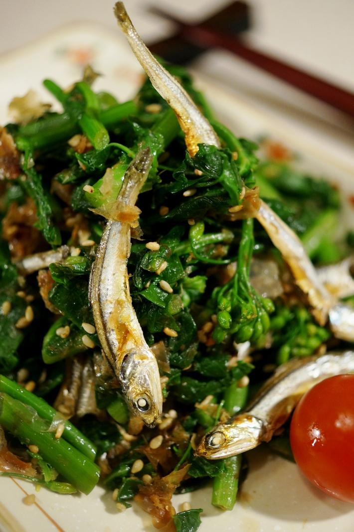 ■5分で出来る簡単常備菜【菜園掻き菜と食べる小魚のおかか和え】です♪_b0033423_19594177.jpg