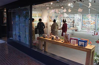沢田淳子パッチワークキルト展が開催中です。_f0171840_10090734.jpg
