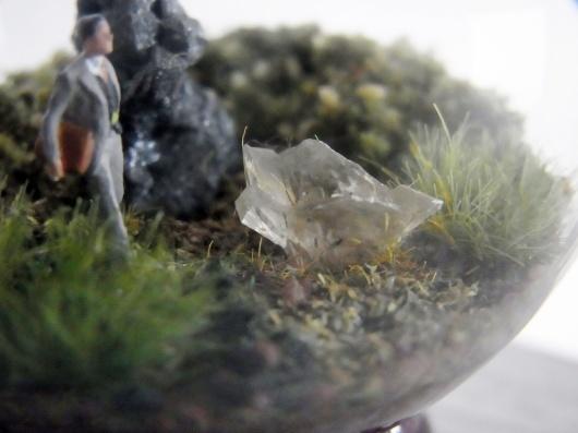 Arakiさんの個展にて販売予定の鉱物ジオラマ電球(置き型)4点_f0280238_21213735.jpg