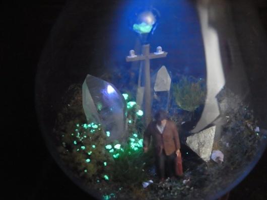 Arakiさんの個展にて販売予定の鉱物ジオラマ電球(置き型)4点_f0280238_21231200.jpg