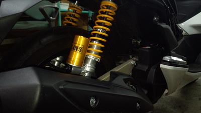 新型PCX (JF56 KF18) オーリンズ_e0114857_8203172.jpg