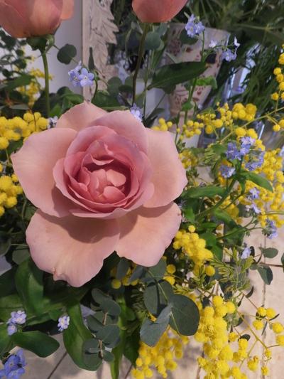 オークリーフ花の教室(富田さんと小林さんの作品)_f0049672_18205124.jpg