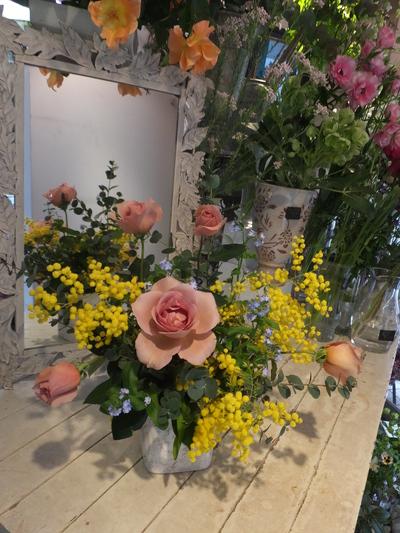 オークリーフ花の教室(富田さんと小林さんの作品)_f0049672_1821449.jpg