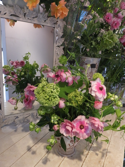 オークリーフ花の教室(富田さんと小林さんの作品)_f0049672_1921635.jpg