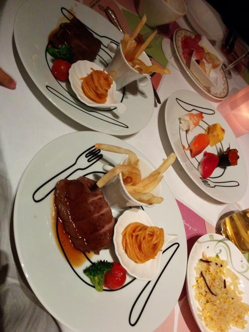 老舗シャトー勝沼のワインと夜桜ビュッフェ@八芳園_e0123104_8465872.jpg