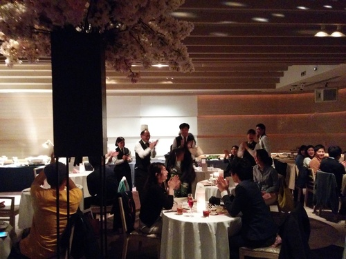 老舗シャトー勝沼のワインと夜桜ビュッフェ@八芳園_e0123104_8582533.jpg