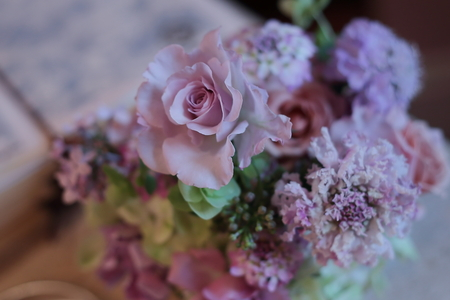 春の装花 リストランテASO様へ 淡い紫で  リトルシルバー、そら_a0042928_2018215.jpg