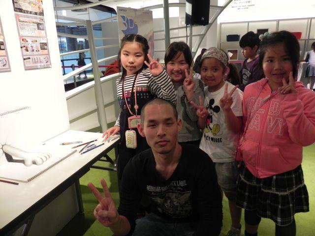 梅田スカイビルで写生会2015_d0076558_1154425.jpg