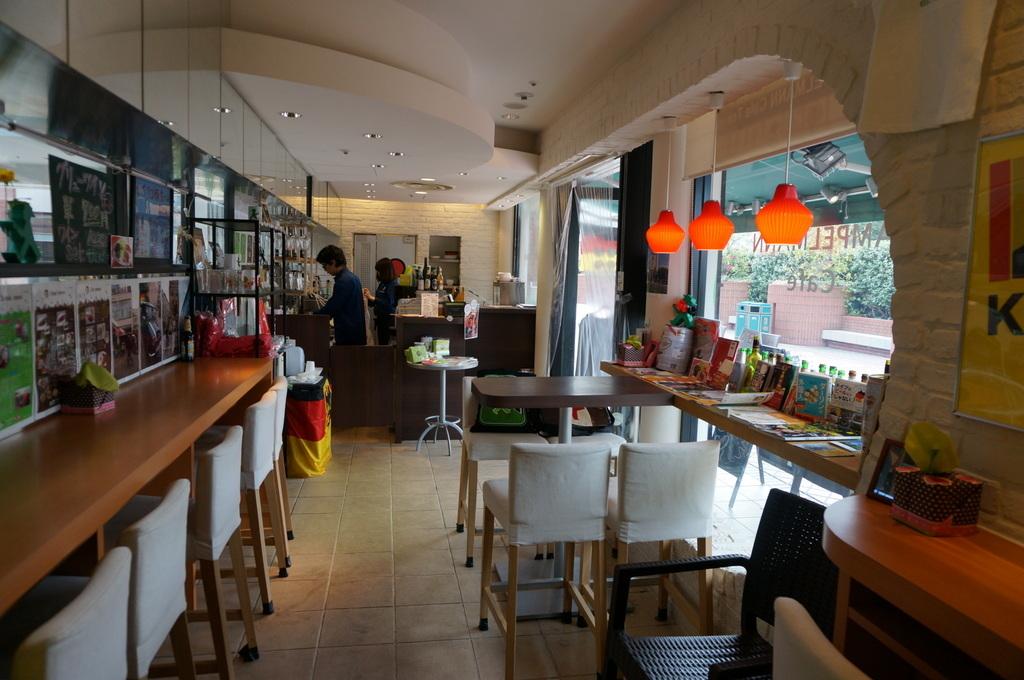 恵比寿のAMPELMANN Cafe Tokio_c0180686_11313745.jpg