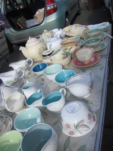 ロンドン郊外アンティークマーケットで珍しい物を買ってきました♪_b0313387_19564149.jpg