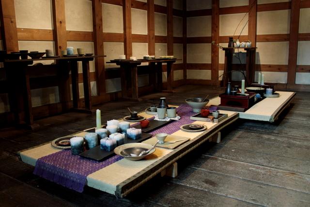 陶器とキャンドルの和の融合(折笠恵子・牧野潤二人展)_a0158797_025181.jpg