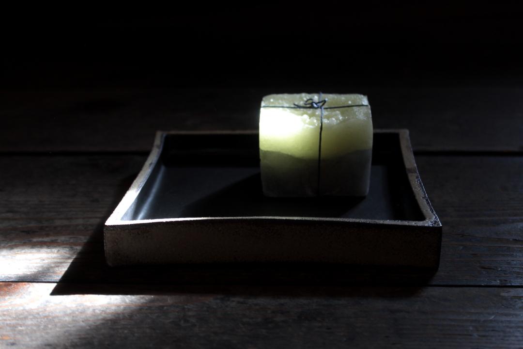 陶器とキャンドルの和の融合(折笠恵子・牧野潤二人展)_a0158797_043079.jpg